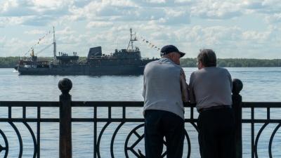 Корабли, моряки и жара: смотрим, как Архангельск празднует День Военно-Морского Флота