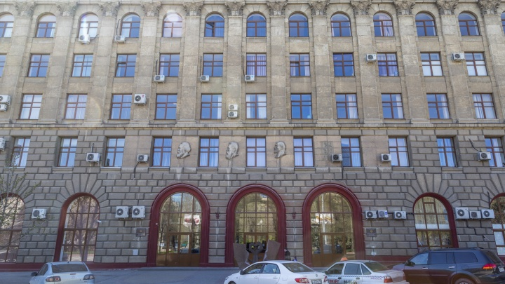 Из Мадрида на работу: зараженного коронавирусом инфекциониста Санникову подозревают по двум уголовным статьям