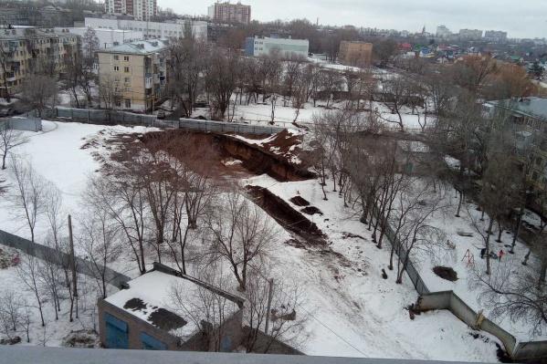 Так выглядит котлован, который начали копать для новой высотки