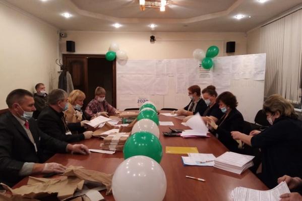 Считать бюллетени начали сразу после закрытия избирательных участков