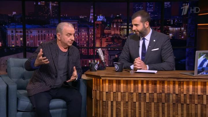 Шахрин на шоу Урганта рассказал о переносе концерта и поклонницах, которые подвозят его из аэропорта
