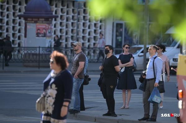 По данным правительства, 70% ростовчан соблюдают масочный режим