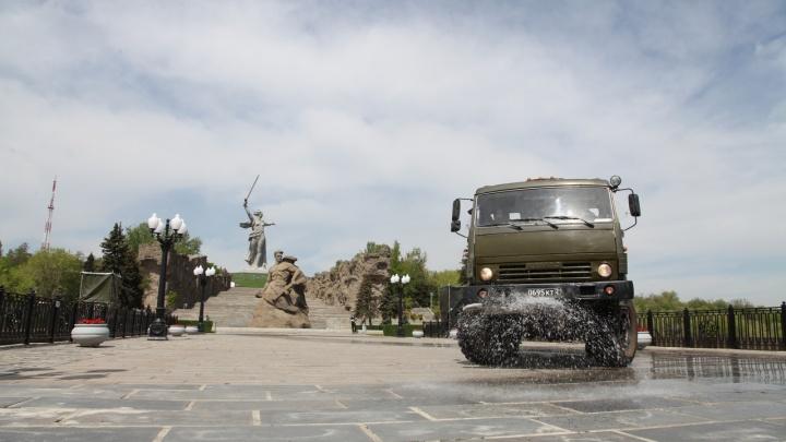 Мамаев Курган и «Сталинградскую битву» обработали от коронавируса