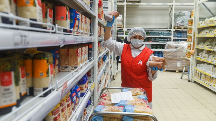Кассиров не берет коронавирус? Эпидемиолог объяснил низкую заболеваемость в магазинах Екатеринбурга
