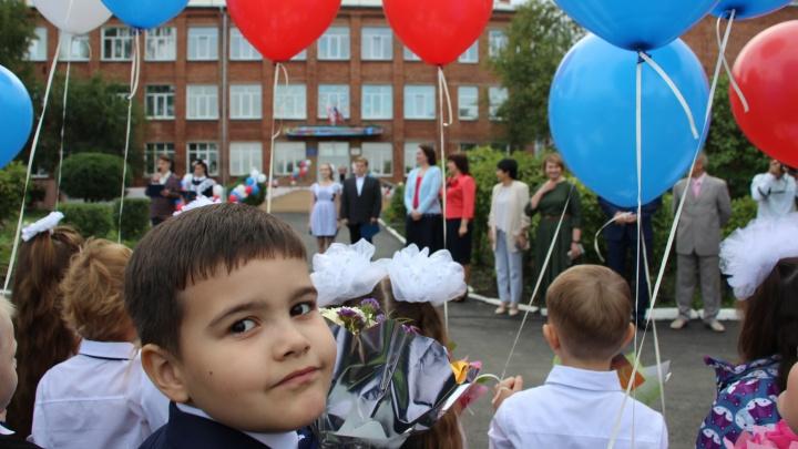 Линейка для семи учеников и православная школа: как проходит 1 Сентября в Омске