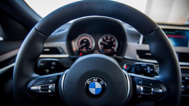 Серебристый BMW сбил 17-летнего подростка — водителя объявили в розыск