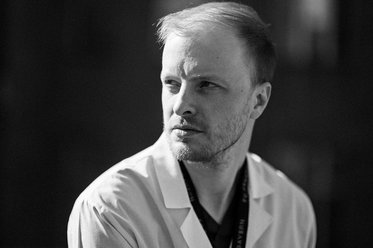 Врач травматолого-ортопедического отделения № 3 Андрей Репин