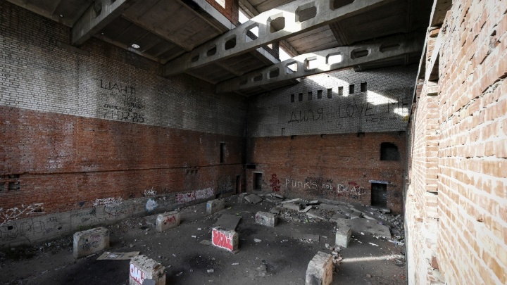 В Волгограде школьница упала с третьего этажа «Морятника»