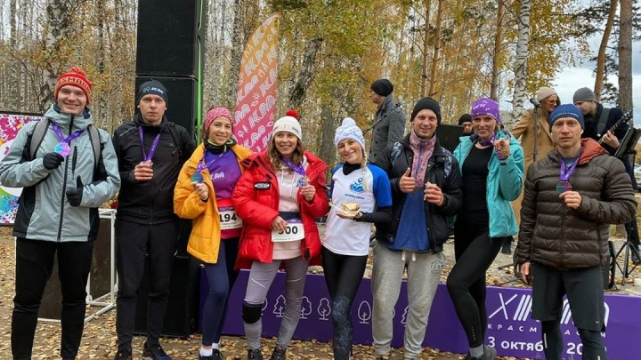 «Это хороший изотоник»: организатор забега в Красноярске объяснил раздачу пива участникам