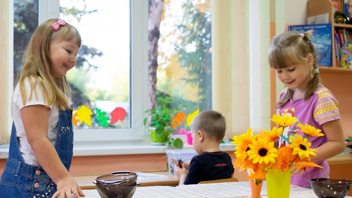 В Омске открывают детские сады и летние кафе: хроники коронавируса
