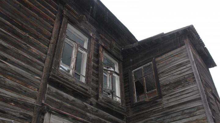 Суд обязал мэрию Омска законсервировать столетний памятник на Почтовой