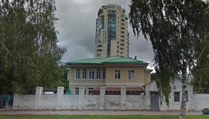 Выкинула ребенка из коляски: в Самаре суд оштрафовал воспитателя детского дома