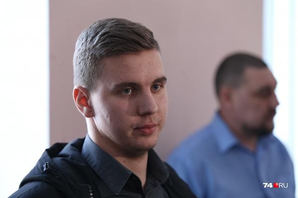 Это первое появление Никиты Лаврова перед прессой, раньше он хранил молчание