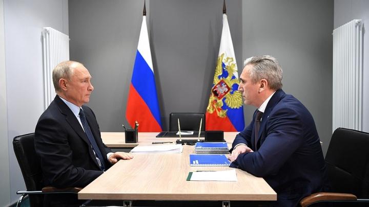 Спорил и хвалил. О чем говорили Александр Моор и Владимир Путин на встрече в Тобольске — полная расшифровка
