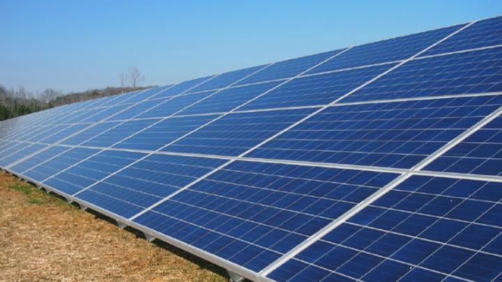 На юге Омской области запустят солнечную электростанцию за 2,4 миллиарда рублей