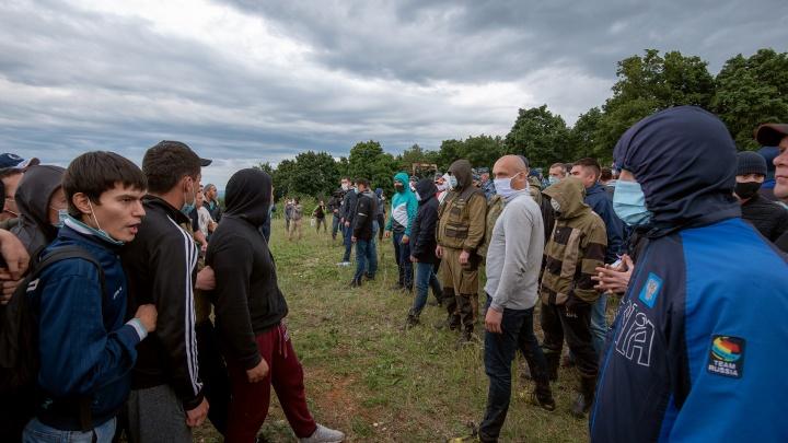 «Мордобой ни к чему не приведет»: что происходило на Куштау вечером «черной» субботы — глазами фотографа