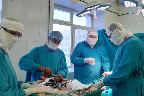 Помогал тюменским медикам московский специалист Михаил Щупак