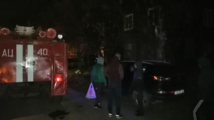 Два ребенка выжили, но остались сиротами: подробности пожара на Урале, в котором погибли пять человек