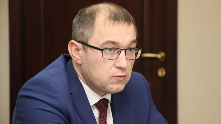 В Омской области уволили замминистра ЖКК. Он отвечал за аварийное жильё и комфортную среду