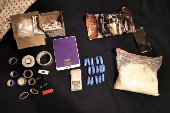 Всего полицейские нашли 15 свертков