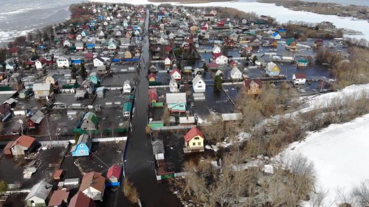 Пролетая над половодьем: смотрим, как на остров Краснофлотский пришла вода — видео