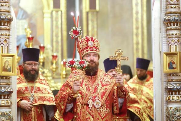 В больницу митрополит Григорий, священники и сотрудники епархии попали вскоре после Пасхального богослужения