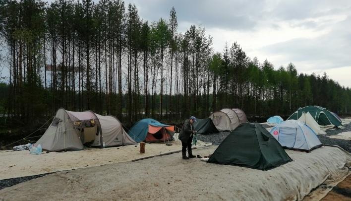 Активистам разрешили оставить лагерь на Шиесе, «пока позволяет технология производства работ»