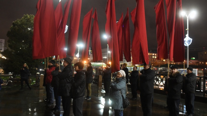 Краснознаменная группа все же вернется на свое историческое место на Плотинке