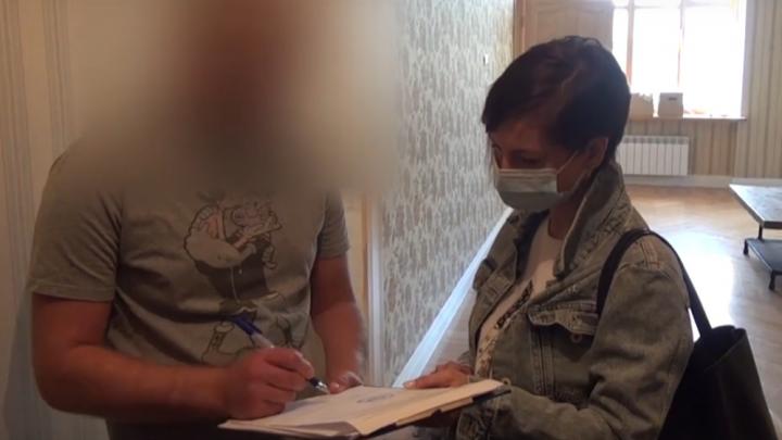 В одном из омских театров прошли обыски — худрука подозревают в растрате 1,3 миллиона рублей