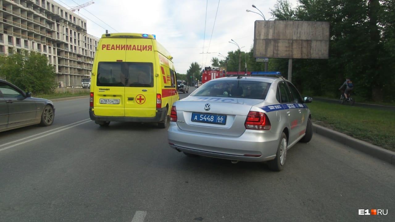 Трёх человек увезли в больницу