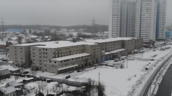 На суд по сносу огромного гаражного кооператива на Ташкентской соберут толпу