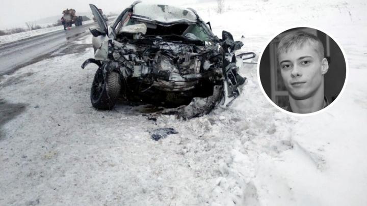 Молодой омский пловец-паралимпиец погиб в ДТП, врезавшись в грузовик
