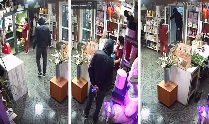 В Новосибирске полиция объявила в розыск мужчину, который напал с ножом на флориста