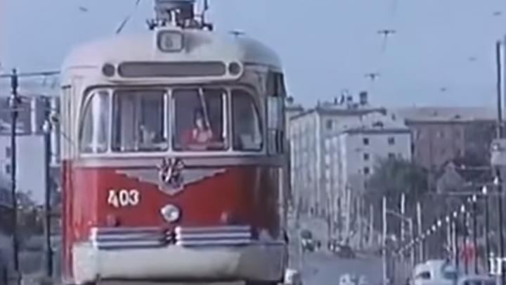 Обнаружена неизвестная цветная видеозапись Новосибирска 1966 года — смотрим на людей, машины и улицы