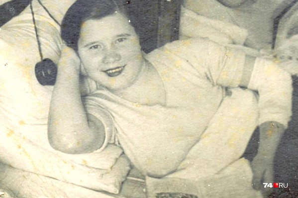 Снимок в госпитале после ранения в руку был сделан в ноябре 1944 года в Кройцбурге, в Восточной Пруссии