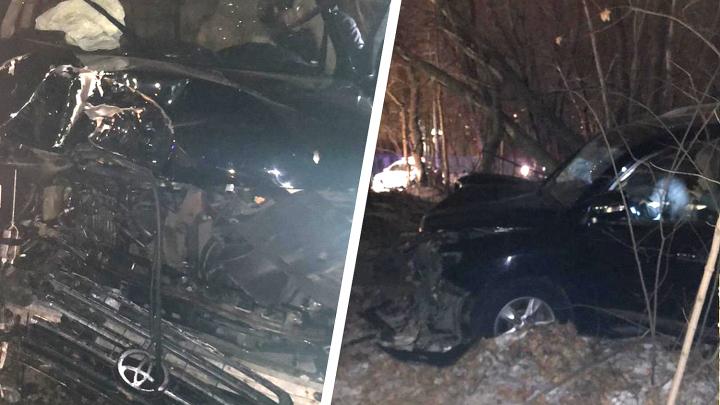 Резину поменять не успел: в Тольятти произошло смертельное ДТП с Toyota Land Cruiser