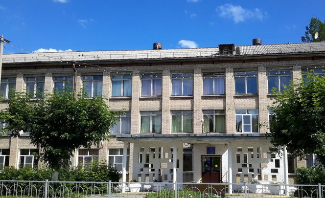 Минобр и прокуратура проверили школы в Челябинской области, где подрядчик сорвал сроки ремонта