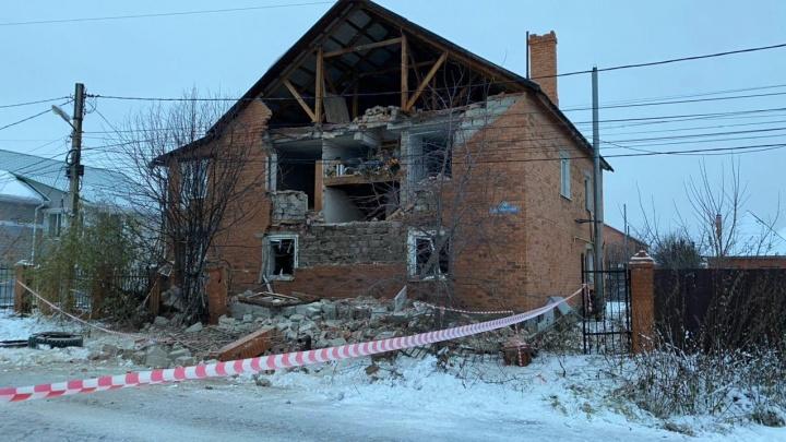 Пострадавшую при взрыве газа в Метелева многодетную семью приняли соседи