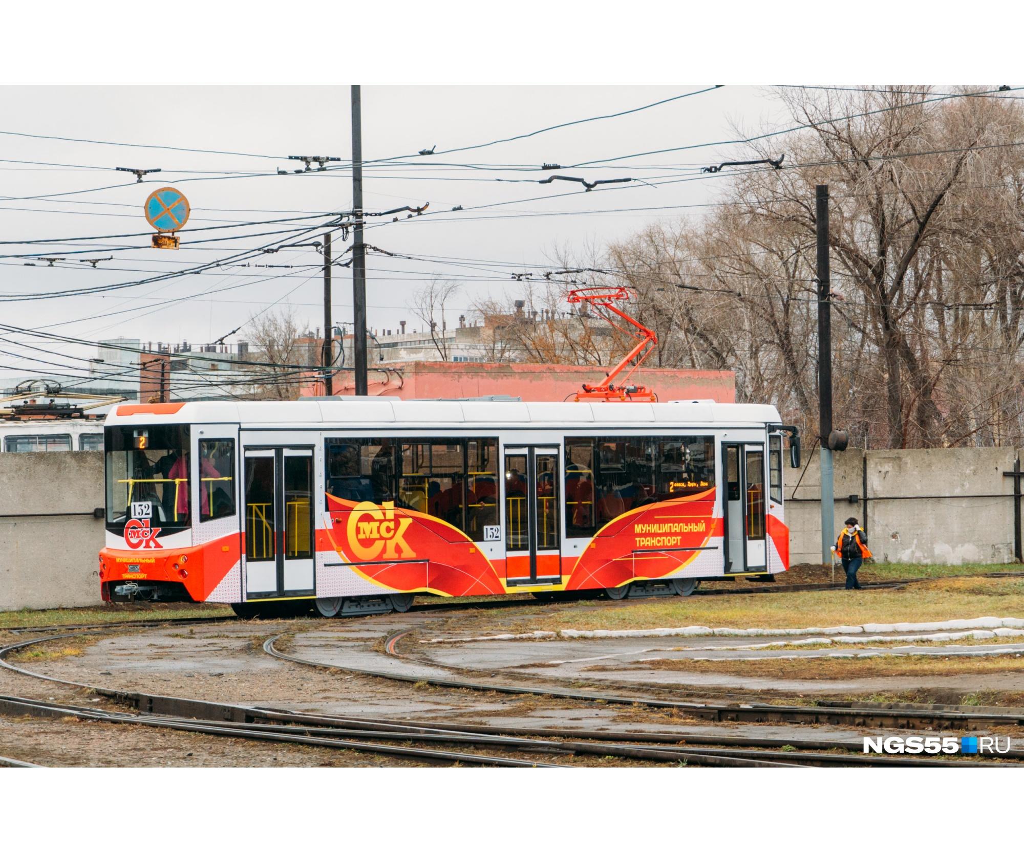 Сергей Ткалун считает трамвай перспективным транспортом. В прошлом году город закупил 24 новеньких вагона
