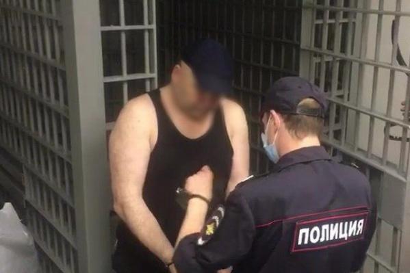 Мужчина ранее уже был судим за убийства и изнасилования