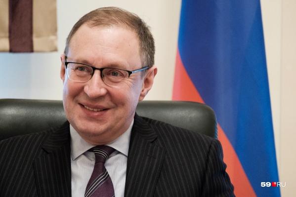 Дмитрий Самойлов возглавляет администрацию города с 2014 года