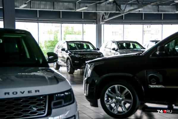 Автомобиль — плохое вложение денег, но если потребность есть, лучше покупать сейчас