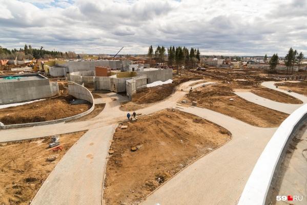 Вот так выглядит площадка для нового зоопарка: некоторые здания были признаны аварийными