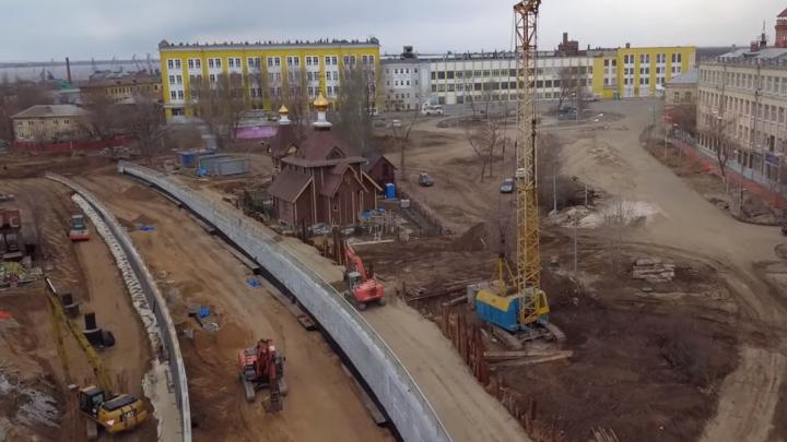 Пройдет вдоль церкви: в Самаре сняли с высоты стройку съездов с Фрунзенского моста