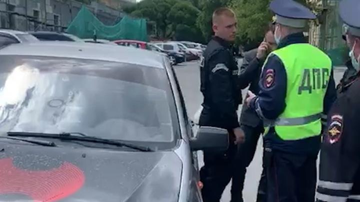 В центре Челябинска ЧОПовцы парализовали работу сотрудников мэрии