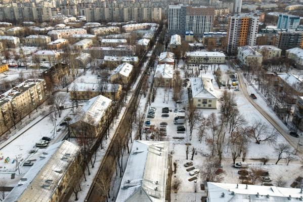 Сегодня на Уралмаше активно ведется застройка, но новых домов всё равно мало