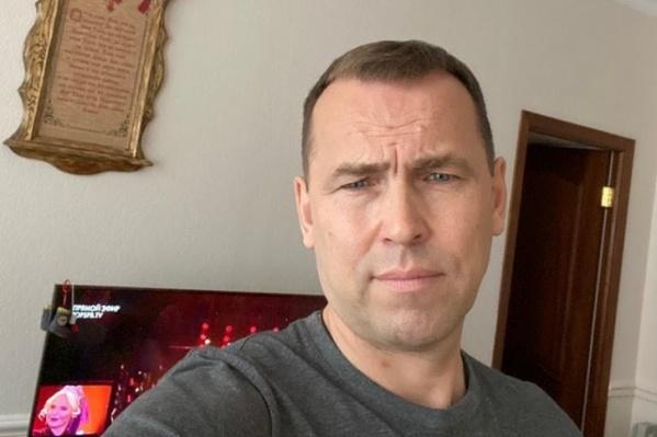 Вадим Шумков периодически выкладывает в социальных сетях посты на личные темы