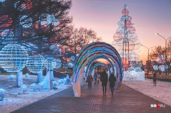 В декабре и январе в Перми будут работать новогодние маршруты. Предполагается, что они станут отличными местами для прогулок