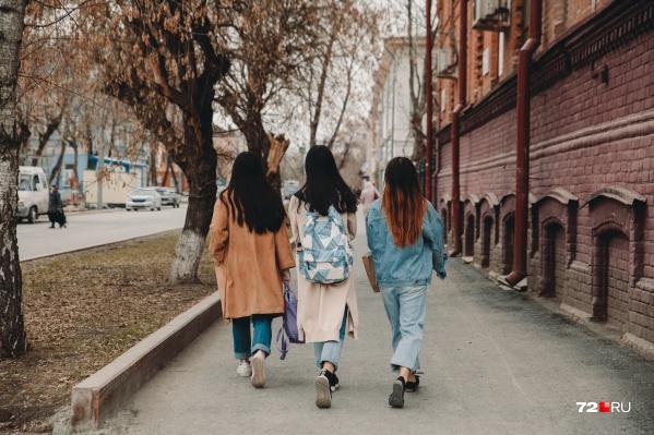 Разбираемся, что движет женщинами в погоне за идеалом
