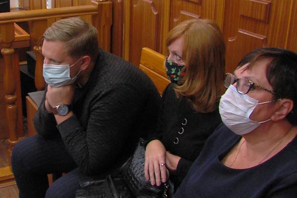 Антон Богданов, Нина Вьюкова и Наталья Ахтарьянова (на фото слева направо) настаивали на своей невиновности
